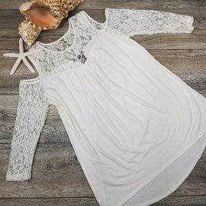 Kate &Mallory cold shoulder Ivory lace tunic Sz M